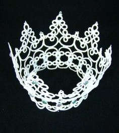 Crown Of Glory by Esther Leavitt (free pattern)