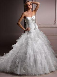Attractive Sweetheart Sleeveless Tulle wedding dress