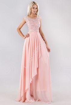 9429295fca Pastelowo różowa suknia z perełkami