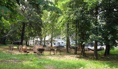 Ein Abenteuerspielplatz ist das BaseCamp auch draußen. Außerdem können die Wohnwägen auchfür Events z.B. dorthin gefahren werden. Foto: Doris Germany, Events, Nail, Pictures, Playground, Homes, Deutsch