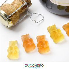 Sai che gli orsetti gommosi non sono solo alla frutta? Sorprendi tutti i tuoi amici con i nostri ORSETTI AL PROSECCO! #ZUCCHERO #PREMIUMQUALITYCANDY www.zuccherocandy.it/prodotti/orsetti-al-prosecco-120-g/ E Design, Confetti, Advertising, Candy, Sweets, Candy Bars, Chocolates