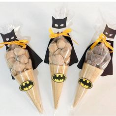 Arraso esses docinhos no tema Batman! Batman Birthday, Superhero Birthday Party, Boy Birthday, Birthday Parties, Avenger Party, Batman Party Decorations, Birthday Party Decorations, Lego Batgirl, Batman Concept