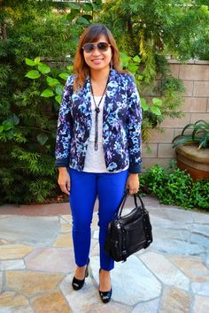 LOVE that she paired the blazer with the brightest color in the print. This is fantastic.