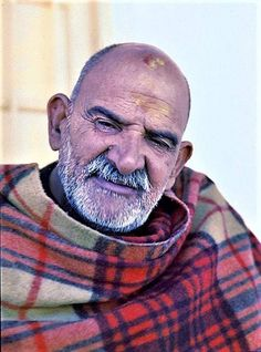 Photo 17 of Kainchi Color # 3 Neem Karoli Baba, Saints Of India, Teacher Photo, Ram Dass, Nainital, Buddha Art, God Pictures, Hare Krishna, Spirituality