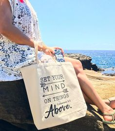 Heading to the beach?... let our inspirational tote bag help you carry your things 😉.... have fun under the sun loves💕💕💕 Happy Saturday 💕💕💕 . . 🌴SHOP: www.crossedpathsla.com ☀️ . . . #totebag #tote #blessed #Jesus #faith #quote #inspirational #verse #word #summer #summerready #adventure #vacation #beach #aloha #hawaii #hanaumabay #grace