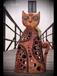 Cats and dogs – figurines, art and photos Ceramic Animals, Clay Animals, Animal Sculptures, Sculpture Art, Ceramic Pottery, Ceramic Art, Ceramic Lantern, Pottery Painting Designs, Clay Cats