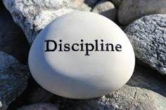 M. Philippa e.a. (2003-2009)Etymologisch Woordenboek van het Nederlands disciplinezn.'tucht' Mnl.discipline, disciplijnzn.'leer, tucht, tuchtiging',disciplinen(mv.) [1265-70; CG II, Lut.K];…