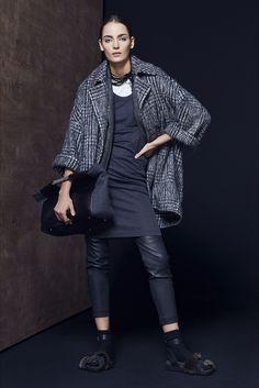 Brunello Cucinelli Fall 2016 Ready-to-Wear Collection Photos - Vogue I Love Fashion, Urban Fashion, Fashion Show, Winter Fashion, Milano Fashion Week, Street Style, Brunello Cucinelli, Italian Fashion, Stylish Outfits