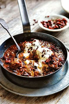 Chili Meatballs in Black Bean and Tomato Sauce.This Mexican take on meatballs is one of my family favorites—my boys really love the crispy chorizo sprinkled over the top! It's so rich and warming, but we love it all year round. Mexican Food Recipes, Beef Recipes, Cooking Recipes, Epicurious Recipes, Meatball Recipes, Sauce Recipes, Donna Hay Recipes, Good Food, Yummy Food