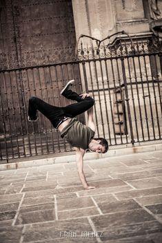 Break Dance. Photographer of Break Dance in Granada. Photographs of Break Dance in Granada. Fotografo de Break Dance en Granada. Fotografias de Break Dance en Granada. Fran Ménez. www.franmenez.com