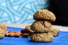 Vegan Date and Almond Cookies - NO added Sugar!! #dairyfree #vegancookies #sugarfreedesserts