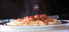 Espaguetis-con-albondigas-y-salsa-de-tomate-picante-portada