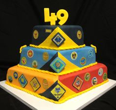 Cub Scout blue and gold cake