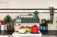 The all-vintage home of Porteno restaurateurs, Elvis & Sarah - The Interiors Addict Frankie Magazine, Boho Kitchen, Home Decor Inspiration, Home Accessories, New Homes, Indoor, Interiors, Design, Dream Houses