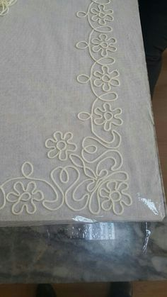 1 million+ Stunning Free Images to Use Anywhere Hand Embroidery Flowers, Hand Embroidery Patterns, Embroidery Stitches, Couture Embroidery, Beaded Embroidery, Burlap Crafts, Fabric Crafts, Wedding Belts, Wedding Sash