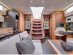 French yard Beneteau launched his new Oceanis Yacht signed by Berret Racoupeau and Pierangelo Andreani. Discover the gallery! Sailboat Decor, Sailboat Interior, Sailboat Living, Yacht Interior, Luxury Interior Design, Modern Interior, Yacht Design, Boat Design, Design Design