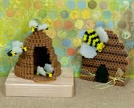 Busy as a Beehive Designed By Holly Craft Make these sweet beehive creations with Perler Beads! You can create a flat beehive and one in 3-D along with bees in two different sizes. These are cool decorations for your table and refrigerator (magnets are optional). :-)