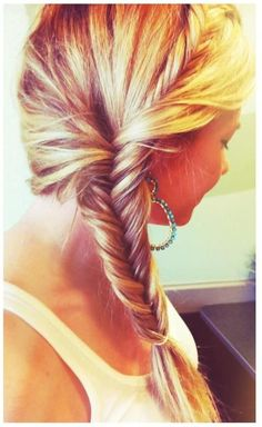 Blonde Side Fishtail - http://www.pinkandmilk.com/women-hairstyle/blonde-side-fishtail.html