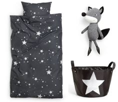 coos ahhs: Adorn: H Home is Here. star bedding from h m Kids bedding? Star Bedding, Cute Bedding, Star Bedroom, Casa Kids, H&m Kids, Playroom Design, H & M Home, Childrens Beds, Nursery Inspiration
