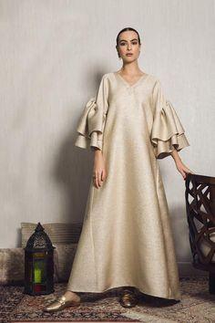 MOUNAY Gold brocade kaftan with oversized ruffles sleeves Abaya Fashion, Muslim Fashion, Modest Fashion, Fashion Clothes, Fashion Dresses, Gothic Fashion, Fashion Fashion, Trendy Fashion, Winter Fashion