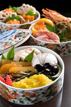 Osechi ryori: Japanese New Year feast. 謹賀新年 おせち