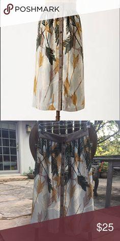 Anthropologie midi skirt sz 2 EUC Anthropologie Edme & Esyllte Flurried Plumes midi skirt. Size 2. Can be worn high or lower on waist. Button front. Anthropologie Skirts Midi