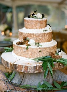 rustic winter wedding cake with wood pattern