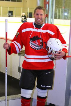 Chicago Gay Hockey Association - Michael Giles #28 - Nickname: Gigi  Position: Defense  Orientation: Gay Male  - See more: http://chicagogayhockey.org/players/profiles/