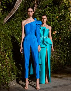 Azzi & Osta is the brainchild of designer duo, George Azzi & Assaad Osta. A style highlighted with challenging conceptual volumes that are vintage in soul. Summer Fashion Outfits, Spring Fashion, Fashion Dresses, 2020 Fashion Trends, Fashion 2020, Fashion Fashion, Moda Formal, Spring Dresses, The Dress
