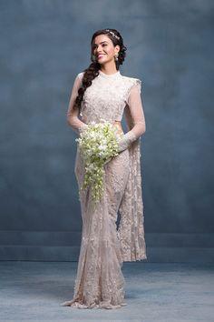 Ideas Christian Bridal Saree White Indian Outfits For 2019 White Saree Wedding, Indian Wedding Sari, Bridal Sari, White Bridal, Indian Bridal, Christian Bridal Saree, Christian Bride, Sari Design, Wedding Outfits