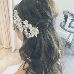 【保存版】最新ウェディングヘア27選♡フラワー~ティアラまで!ダウンスタイルヘアカタログ | myreco(マイリコ) Bridal Hair, Wedding Hairstyles, Crown, Hair Styles, Nail, Key, Fashion, Hair Plait Styles, Moda