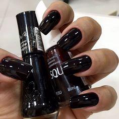 Oii pessoal . e essa combinação perfeita ???  Esse nail não pode faltar !!! Unhas da querida @marinapaduanelli , pra relembrar rsrs .. Unhas by @tricknails . #manicuro #manicureHomem #manicure #manicures #designerdeunhas #unhasdasemana #unhasperfeitas #unhas #unhas #unhasdodia #profissional #nails #nail #nailpolish #pretoerebu #work #vultcosmetica #vult #coresdodia #like4like #hand #brasil #blog #blogueiras #risque #risqueoficial #risquedasemana