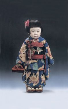 early Showa doll (from the reign of Emperor Hirohito) Momiji Doll, Kokeshi Dolls, Japanese Geisha, Vintage Japanese, Antique Dolls, Vintage Dolls, Ooak Dolls, Art Dolls, Toddler Girls