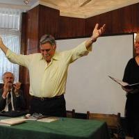 75-годишният Петър Динчев подари нова стихосбирка на асеновградчани