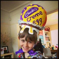 Easter bonnet Boys Easter Hat, Easter Bonnets For Boys, Easter Hat Parade, Easter Ideas, Easter Crafts, Crazy Hair Day Boy, Easter Costumes, Easter Garden, Crazy Hats