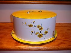 VINTAGE 1950'S YELLOW WHITE DECOWARE CAKE CARRIER CHERRY BLOSSOMS