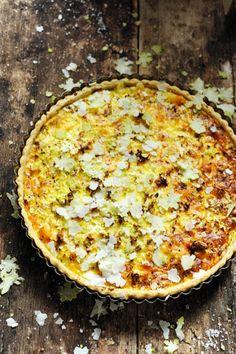 Mais pourquoi est-ce que je vous raconte ça... Dorian cuisine.com: Petite visite dans un buron là où nait le Cantal et tarte au Cantal jeune...