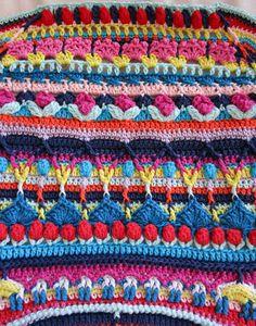 Crochet Mandala Pattern, Freeform Crochet, Crochet Squares, Crochet Blanket Patterns, Knitting Patterns, Scrap Yarn Crochet, Crochet Art, Crochet Home, Gilet Crochet