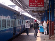 How To Travel In India - tips. Indian railway station