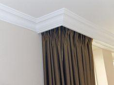 Strakke kooflijst wat de muur en het plafond onderscheid for Plafond sierlijst