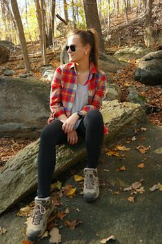 Stylish camping outfits plaid shirts New Ideas Hiking Boots Outfit, Trekking Outfit, Best Hiking Boots, Boating Outfit, Trekking Gear, Hiking Shoes, Mountain Hiking Outfit, Outfits Mujer, Outfits Damen