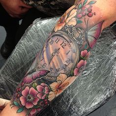 Ideas for clock tattoo sleeve woman tatoo Mommy Tattoos, Dope Tattoos, Badass Tattoos, Pretty Tattoos, Beautiful Tattoos, Body Art Tattoos, Clock Tattoo Sleeve, Full Sleeve Tattoos, Tattoo Sleeve Designs