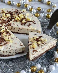 Mintunmakuinen juustokakku on takuuvarma suosikki! Sweet Desserts, Vegan Desserts, Finnish Recipes, Sweet Pastries, Vegan Cake, Food Cakes, Let Them Eat Cake, No Bake Cake, Food To Make