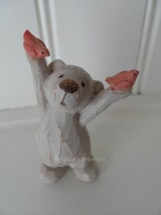 WOOD EFFECT DISTRESSED BEAR HANDS IN AIR CHIC N SHABBY BEAR NECESSITIES ROBIN
