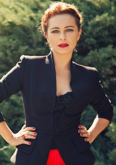 Turkish Actress, Ayça Bingöl   Elele Magazine 2012 November Issue Pictorial. Turkish Beauty, Turkish Actors, Office Outfits, Beautiful Actresses, Business Fashion, Suits For Women, Timeless Fashion, Actors & Actresses, Dresses With Sleeves