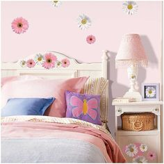 RoomMates® Wandaufkleber Wandbild Flower Power  Endlich Flower Power! Hier ein großartiges Set farbenprächtiger Blüten für jedes Alter! Toll für's Schlafzimmer, Badezimmer, für den Schrank oder Spiegel...  Spaß, ein cooles und hübsches Dekor und so schnell und individuell zu sticken, man glaubt es kaum. Das Set besteht aus kleineren und übergroßen Gerbera und aus coolen pink Punkten, farblich passend zu den Blüten im Einklang. Just for fun!