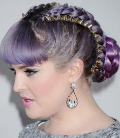 Miss Osborne is on-trend with her fringe and plait combo. Get your Fashion Fringe fashion fix!