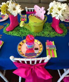 Rachel K's Birthday / Peppa Pig - Photo Gallery at Catch My Party Birthday Party Tables, Pig Birthday, Third Birthday, 4th Birthday Parties, Birthday Party Decorations, Fiestas Peppa Pig, Cumple Peppa Pig, Pig Party, Baby Party