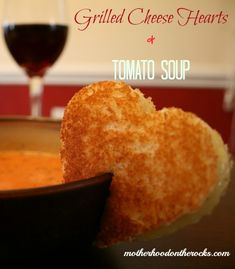 Grilled Cheese Heart & Homemade Tomato Soup #Recipe - Easy and delicious. Perfect for #Valentine's Day! - Motherhood on the Rocks