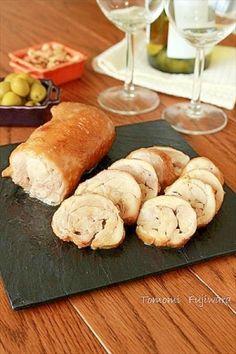 楽天が運営する楽天レシピ。ユーザーさんが投稿した「照り旨!簡単豪華やわらか鶏チャーシュー」のレシピページです。お鍋1つで簡単に作れる鶏チャーシューレシピです。簡単なのにとっても豪華にみえるのでパーティー料理にぴったりです。。照り旨!簡単豪華やわらか鶏チャーシュー。鶏もも肉,塩こしょう,油,(A)水・酒・みりん・醤油,(A)砂糖,酢,しょうが(薄切り)
